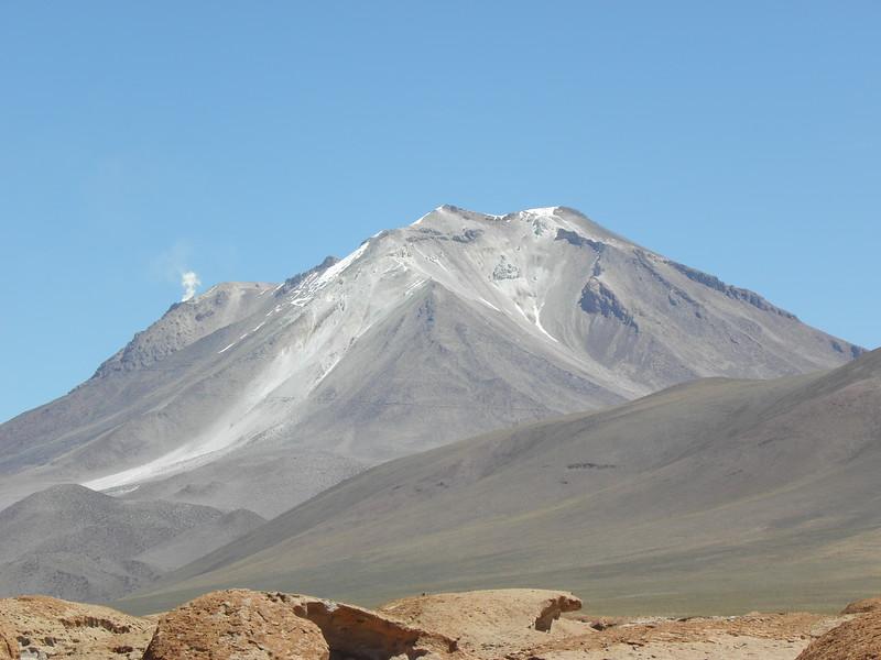 Venteo de Vapor del Volcán (1 of 1)