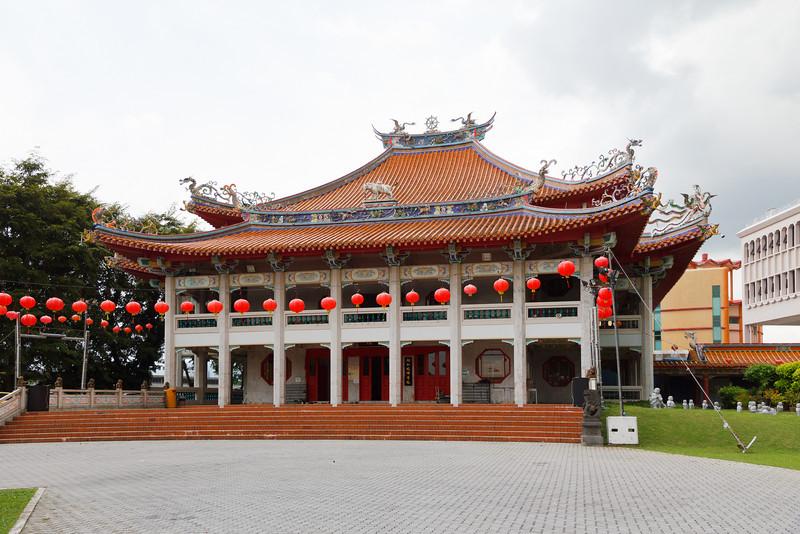 Near the Ten Thousand Budda Temple