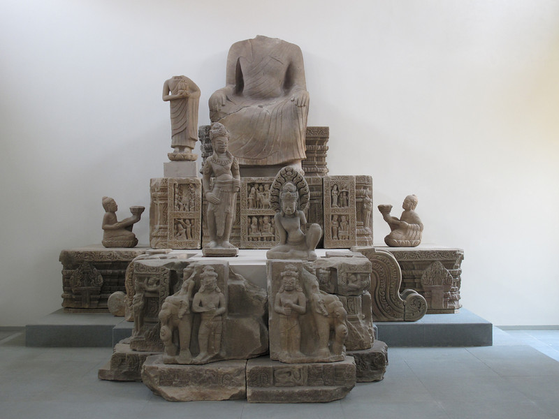 Sculpture at the Cham Museum