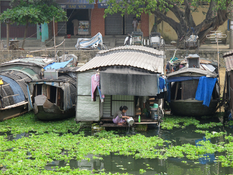 Life on the water in Hue