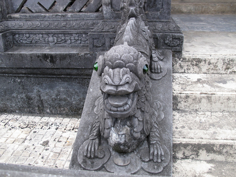 Carvings at Thien Dinh Palace and Tomb