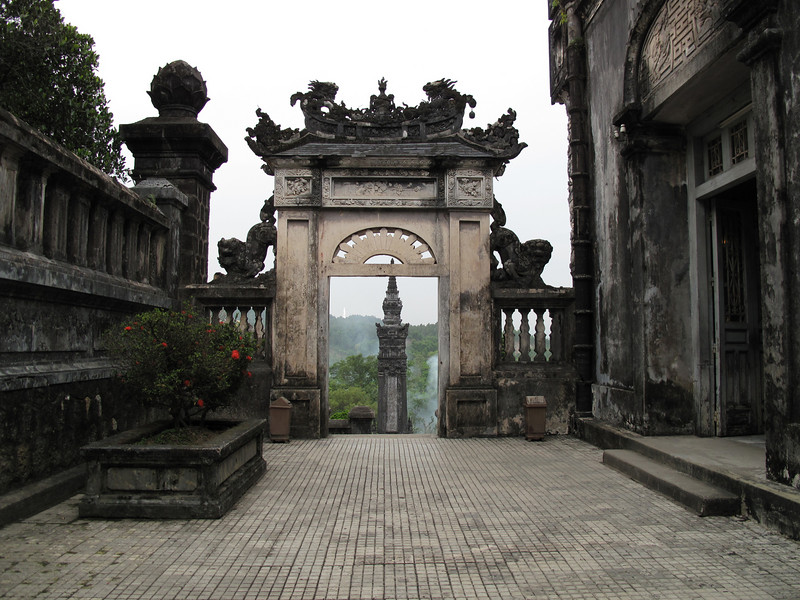 Thien Dinh Palace and Tomb Grounds