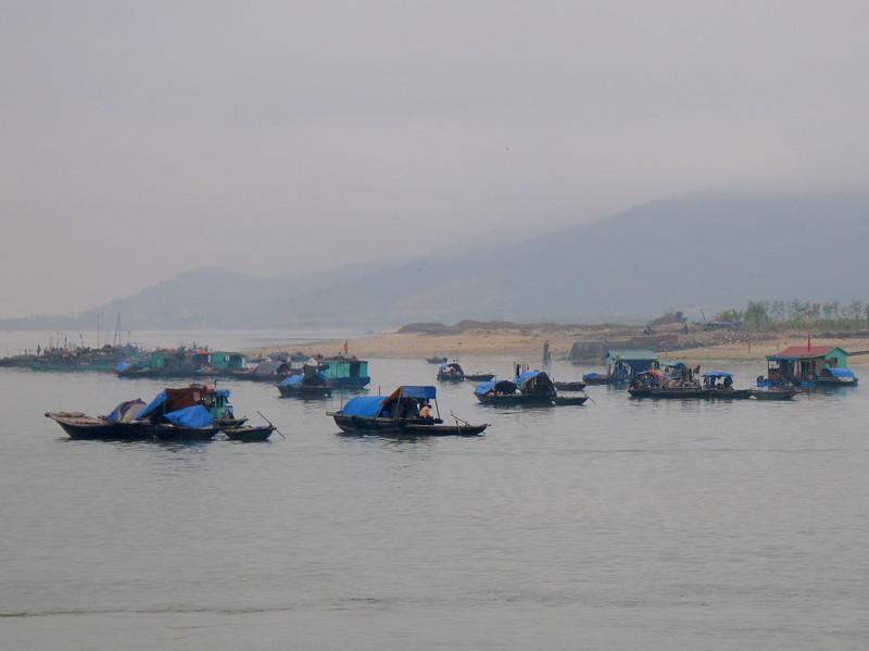 Life on Ha Long Bay