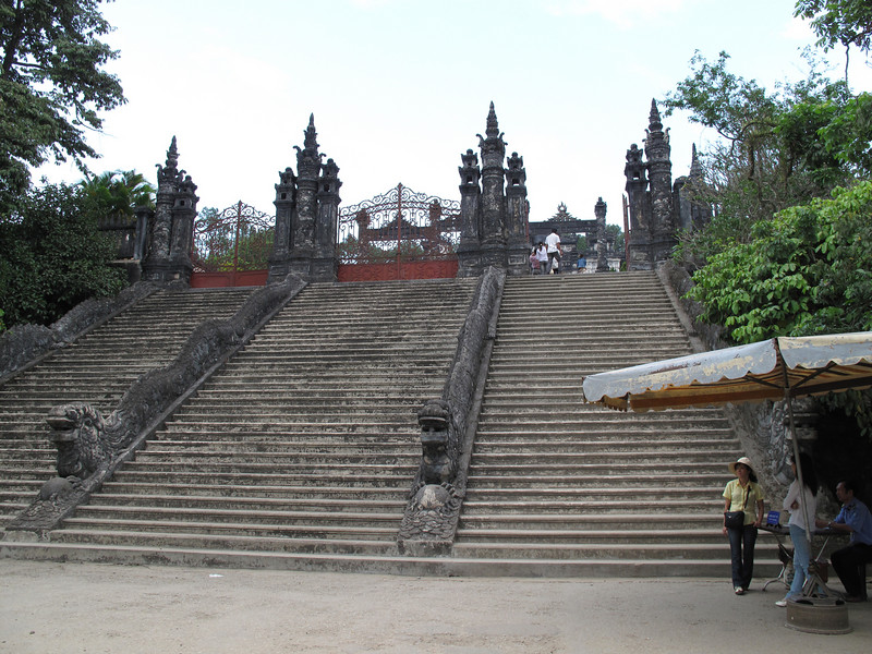 Stairs to Thien Dinh Palace and Tomb - Hue