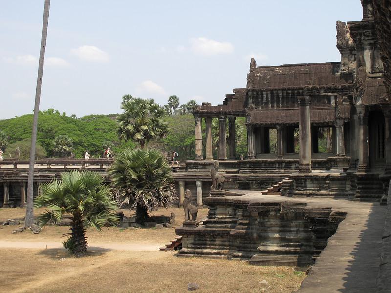 Northern walkway from Angkor Wat