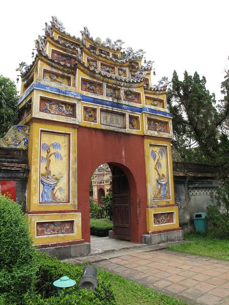 Gat inside the Hung Mieu Compound