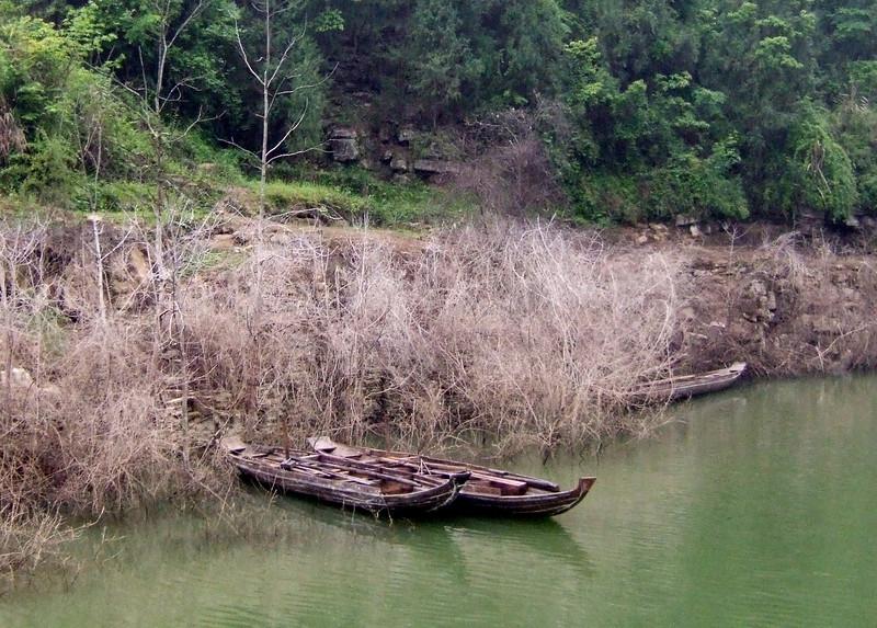 Sampans on the Yangtze in Wu Gorge