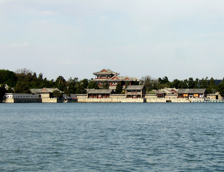 Buildings on Cunming Lake