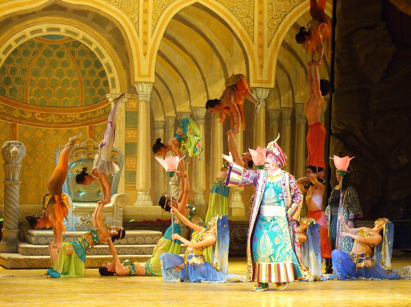 Local show in Dunhuang