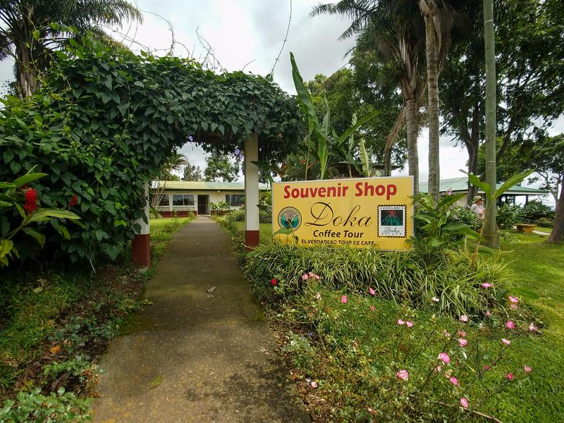 Doka Plantation Souvenir Shop.