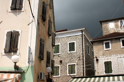 Looking up at the ominous clouds from Nikola Durkovic Square - Herceg Novi, Montenegro ... April 30, 2008 ... Photo by Rob Page III