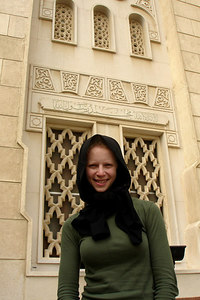 Emily is about to enter the Jumeirah Mosque - Dubai, UAE ... November 19, 2006 ... Photo by Rob Page III