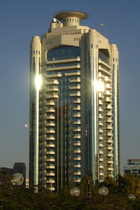A building on the Deira side of the Creek - Dubai, UAE ... December 4, 2006 ... Photo by Rob Page III