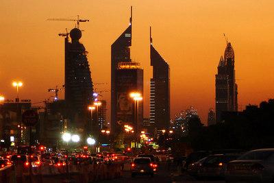 Sunset down Sheikh Zayed Road - Dubai, UAE ... December 4, 2006 ... Photo by Rob Page III