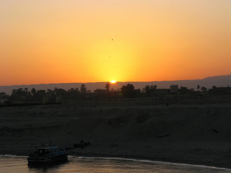 Sunset on the way to the Esma Lock on the Nile