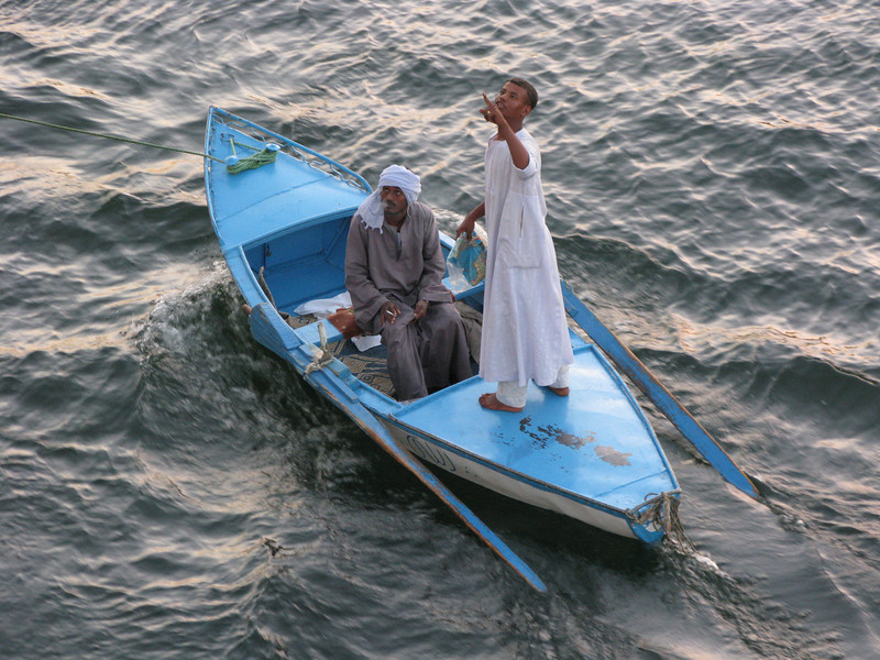 Local garment throwers on the Nile