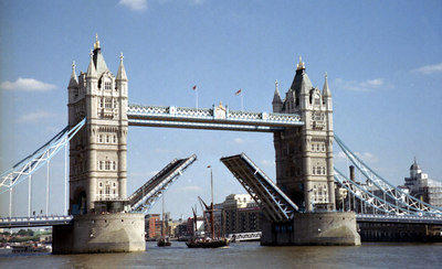A boat going through the Tower Bridge. ... June 21, 2001 ... Photo by Rob Page III