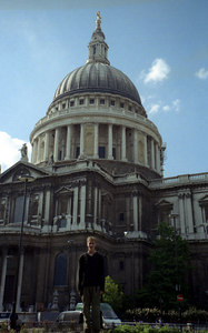 Rob in front of St. Pauls Cathedral. ... June 21, 2001 ... Photo by Rob Page III