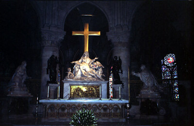 The altar of Notre Dame - Paris, France ... June 23, 2001 ... Photo by Rob Page III