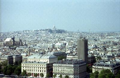 Basilique du Sacré-Coeur de Montmartre in the distance. ... June 23, 2001 ... Photo by Rob Page III