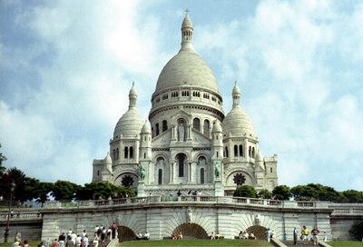 Basilique du Sacré-Coeur de Montmartre. Construction began in 1875 and it was not dedicated until 1919. ... June 24, 2001 ... Photo by Rob Page III