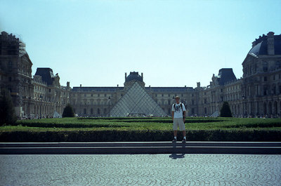 Rob in front of the Louvre. ... June 25, 2001 ... Photo by unknown