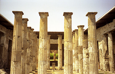 Pompeii, Italy ... July 14, 2001 ... Photo by Rob Page III