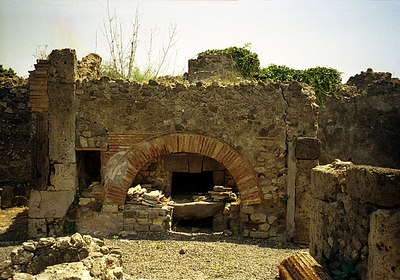 A residence -  Pompeii, Italy ... July 14, 2001 ... Photo by Rob Page III