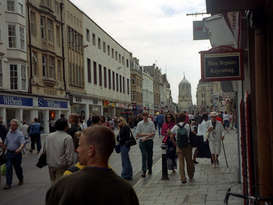 One of the streets of Oxford, England.  ... June 20, 2001 ... Photo by Rob Page III