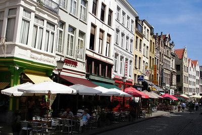 Streetlife - Antwerpen, Belgium ... June 18, 2006 ... Photo by Rob Page III