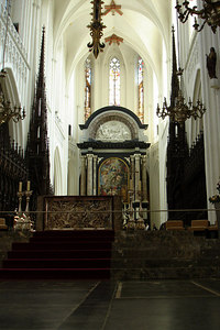 Inside the 123 m tall Onze-Lieve-Vrouwekathedraal (Cathedral of Our Lady)  - Antwerpen, Belgium ... June 18, 2006 ... Photo by Rob Page III