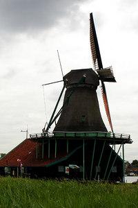Windmill - Zaanse Schans, Netherlands ... June 16, 2006 ... Photo by Rob Page III