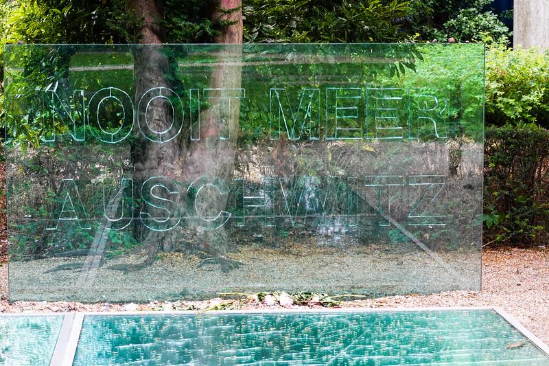 Auschwitz Monument in Wertheimpark in Amsterdam. Nooit Meer - Never Again!