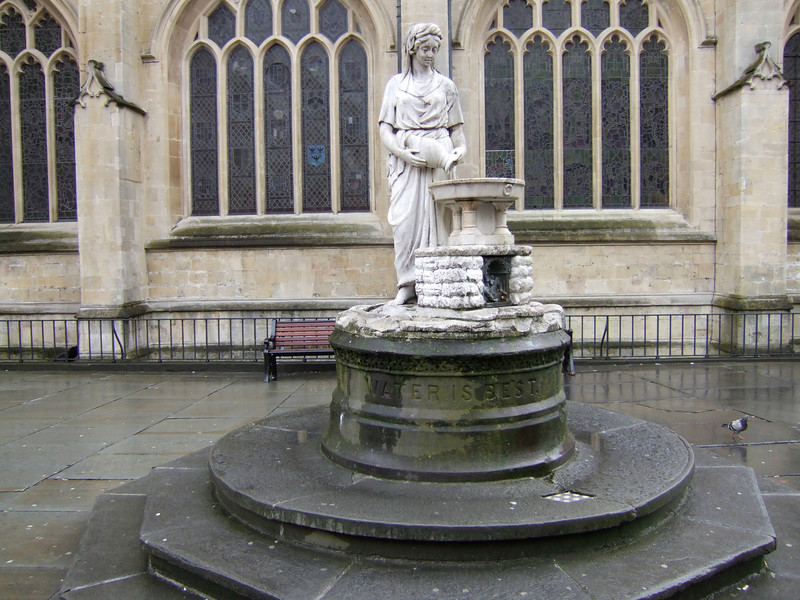 Water Goddess Statue at the Cathedral in Bath