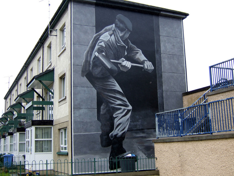 Tribute Murals in Derry