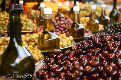 The Carmel Market - Tel Aviv, Israel ... March 10, 2014 ... Photo by Rob Page III