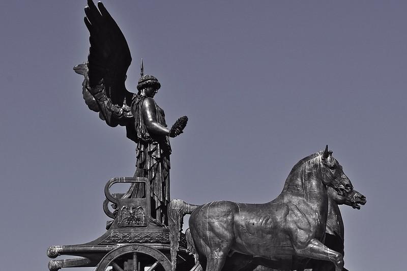 Victor Emmanuelle Chariot