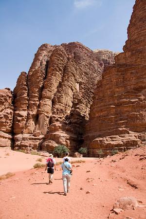 Heading towards Khazali canyon with Rock carvings.