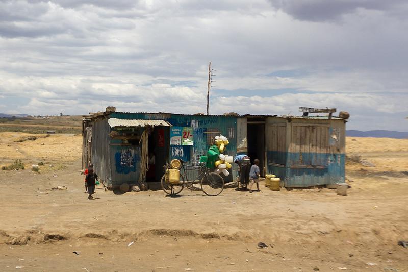 Roadside stop between Masai Mara and Nairobi - Kenya