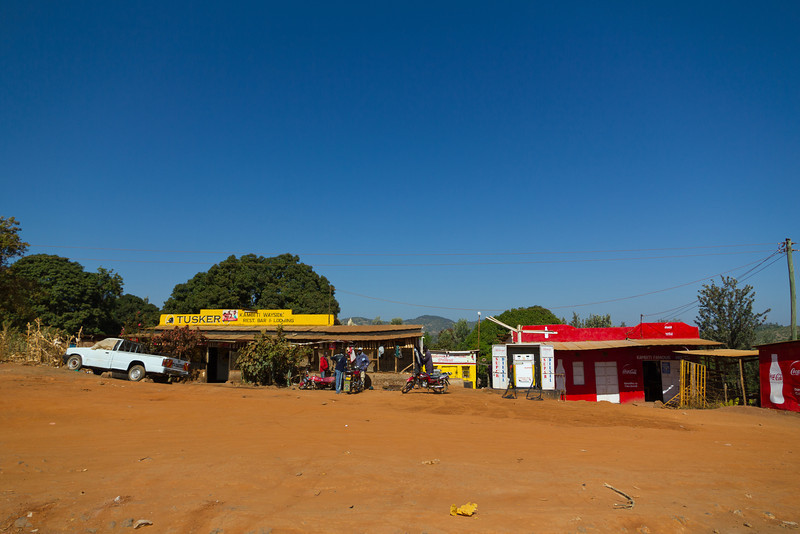 Roadside Kenya on the way to Samburu National Reserve