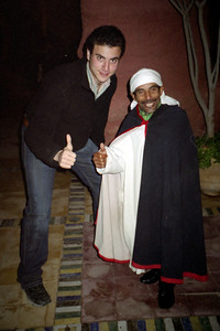 Pedro's short friendship - Marrakesh, Morocco ... March 7, 2005 ... Photo by Rob Page III
