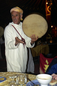 Elliot, Rat Man is going to get you ~ Fantasia Chez Ali  - Marrakesh, Morocco ... March 7, 2005 ... Photo by Heather Page