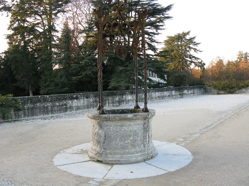 Water well at Chateau Chenonceau