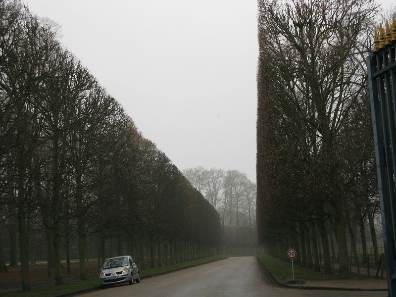 Road to the Queens Summer Residence