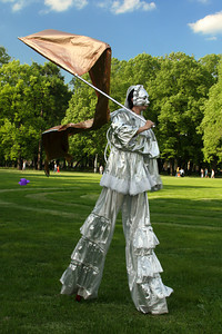 A performance in Mikhailovsky Gardens - Saint Petersburg, Russia ... May 27, 2009 ... Photo by Rob Page III