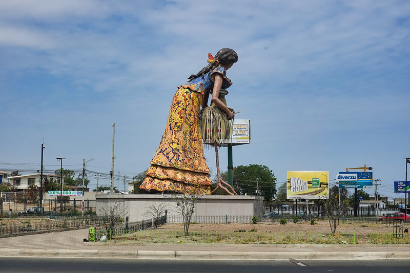 Monument to the ladies making the Panama Hats. The real source of real Panama Hats is Ecuador.  Now you know the secret.