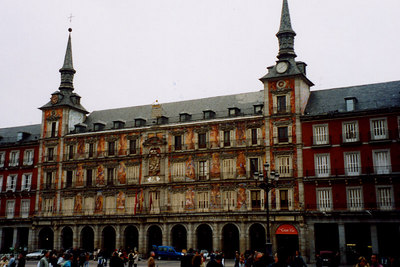 Plaza Mayor - Madrid, Spain ... March 2003 ... Photo by Rob Page III