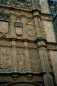 Can you find the frog? - Salamanca, Spain ... March 2003 ... Photo by Rob Page III