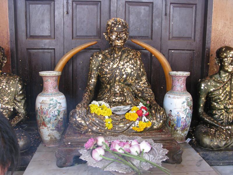 Budda Image at Wat Traimitr