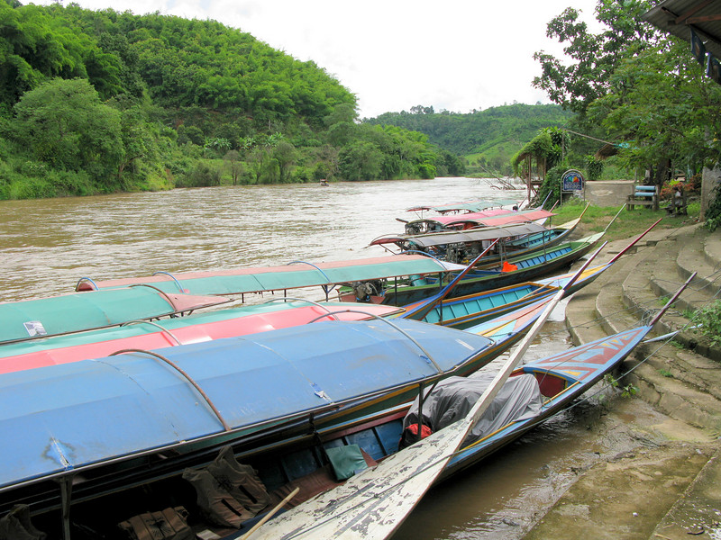 Boats for the ride to the Ban Pa Keaw (Akka Village)